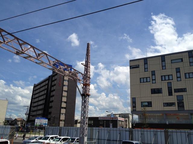 東岸和田駅の阪和電鉄時代の架線柱旧ホーム