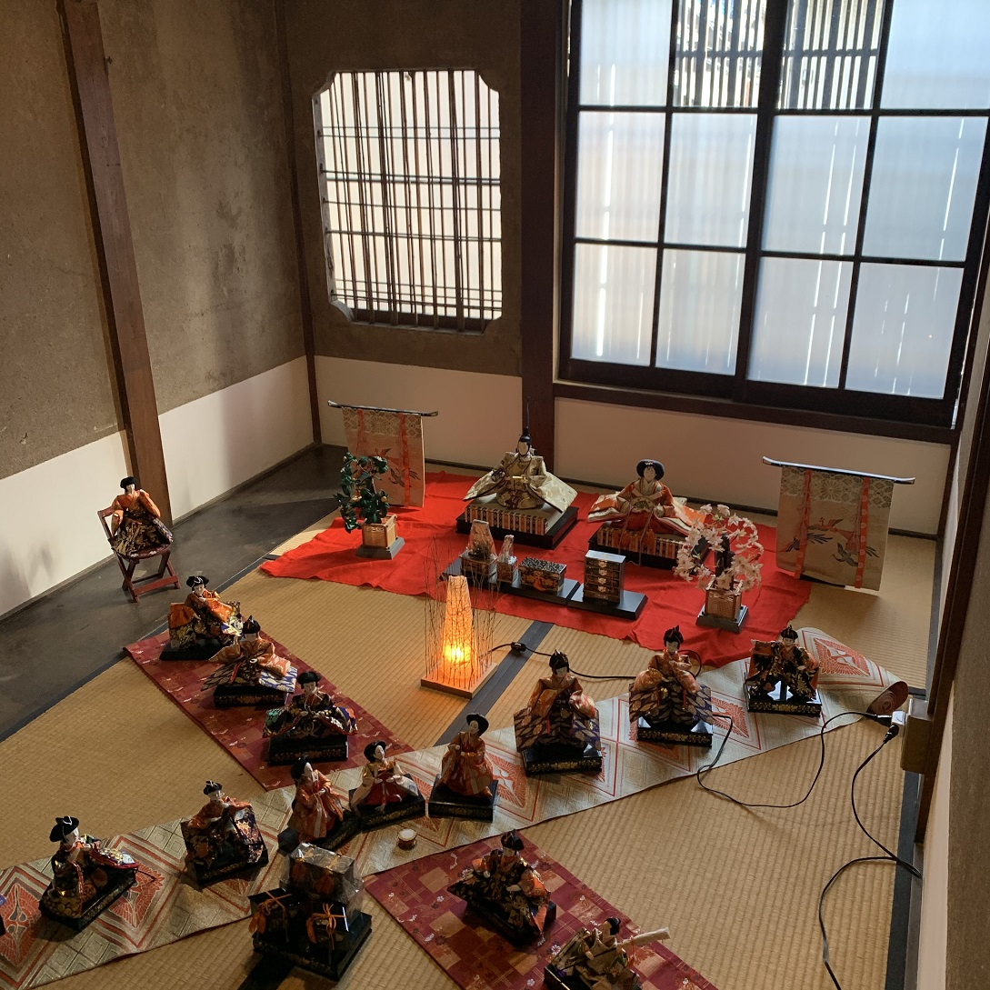 洞泉寺遊郭川本楼二階