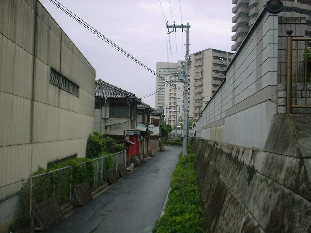 飛田嘆きの壁東側