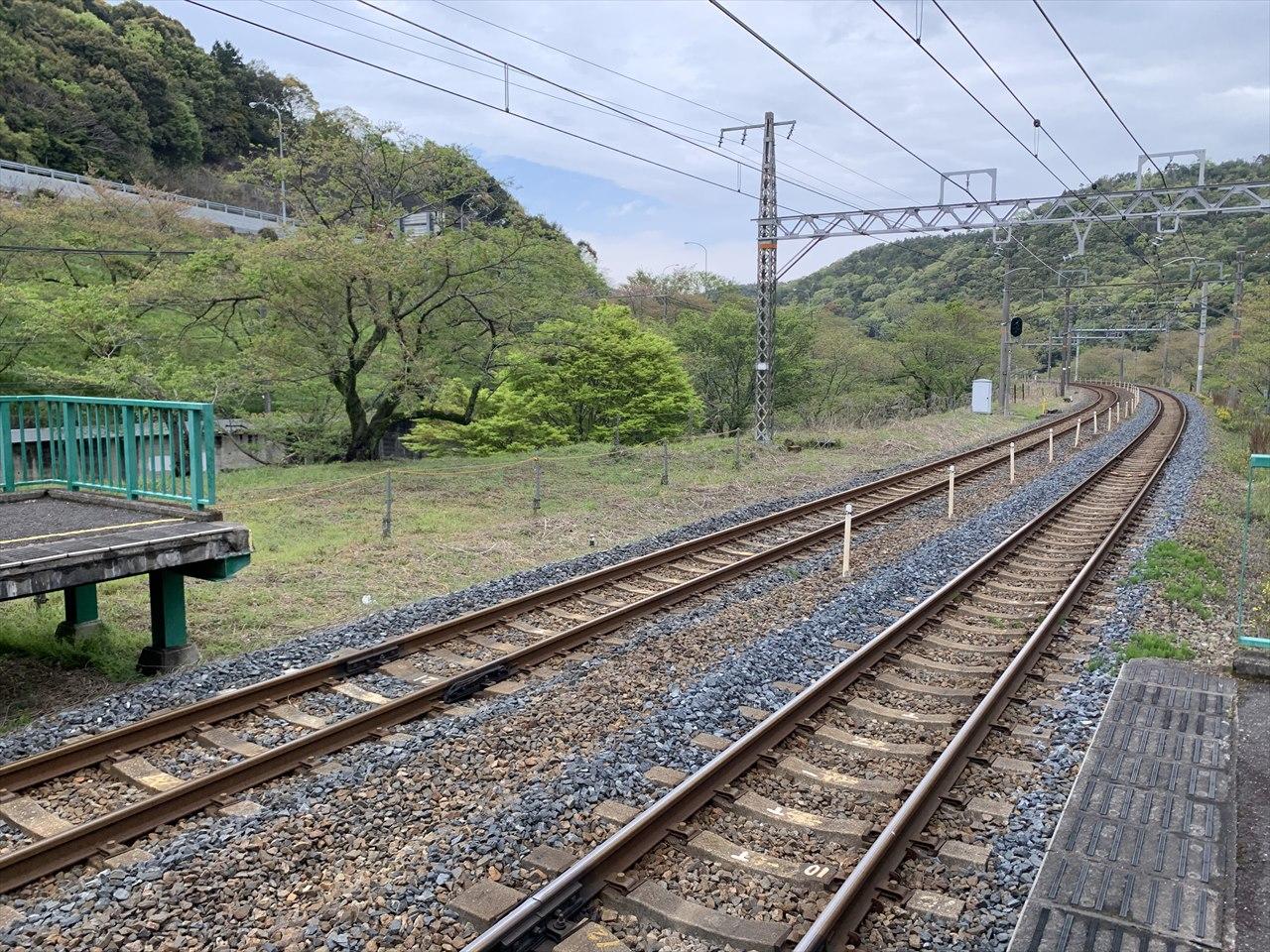 山中渓駅の架線柱