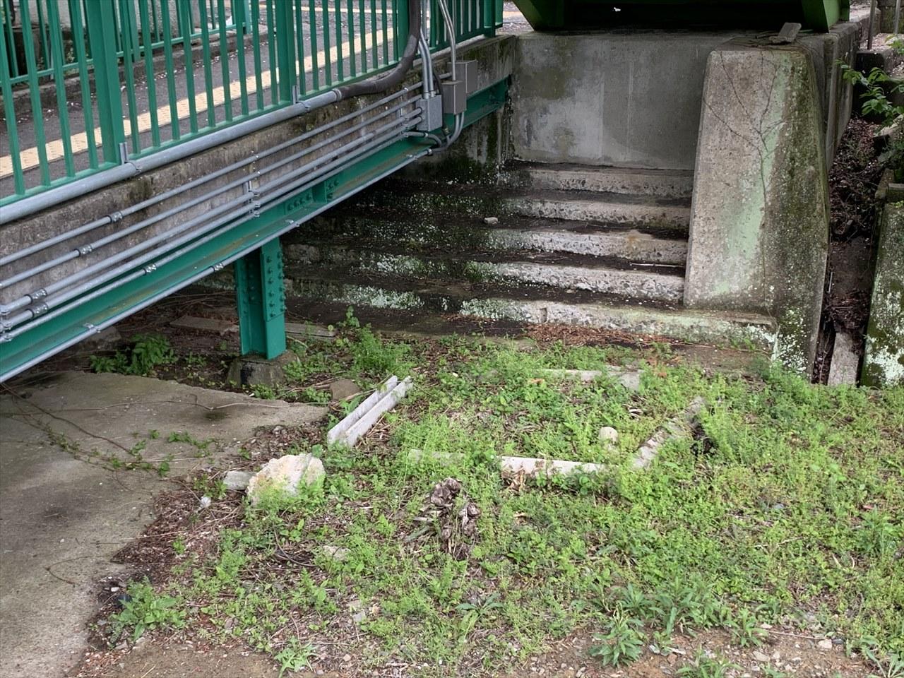 阪和線山中渓駅のホーム